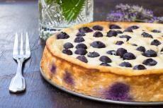 Recept: Borůvkový koláč s ricottovým sýrem   Vím, co jím