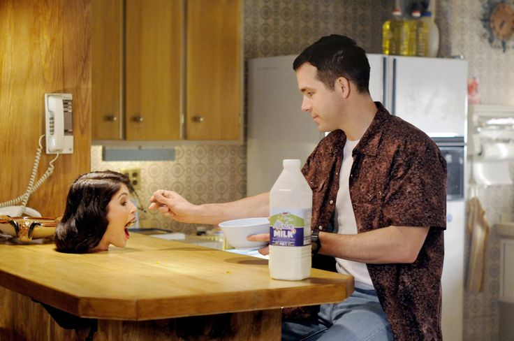 """In Marjane Satrapi's horror comedy """"The Voices,"""" Ryan Reynolds is a small-town misfit with pets who talk to him and a collection of severed heads."""