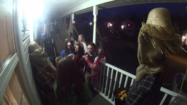 Best Halloween Scare Pranks on Trick or Treaters