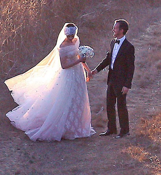 Anne Hathaway Gown: 49 Best Celebrity Wedding Gowns Images On Pinterest