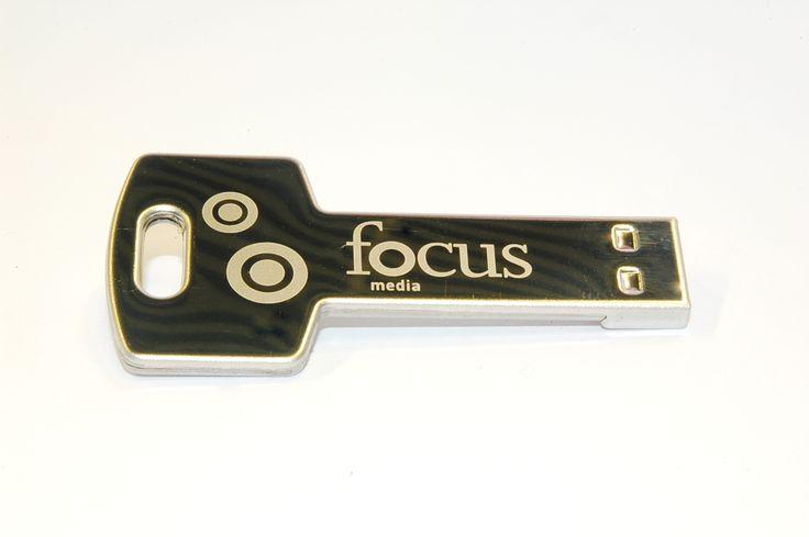 La llave de la felicidad no existe, pero esto es lo más parecido a ella si quieres tener a mano todo lo que necesitas. - USBModels