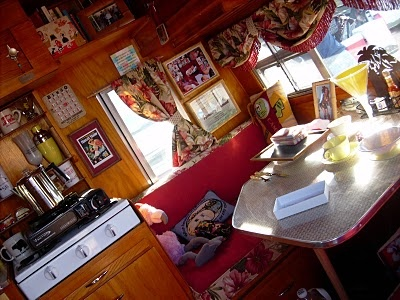 caravan: Campers Ideas, Glamping Campers, Girls Campers, Happy Campers, Vintage Campers
