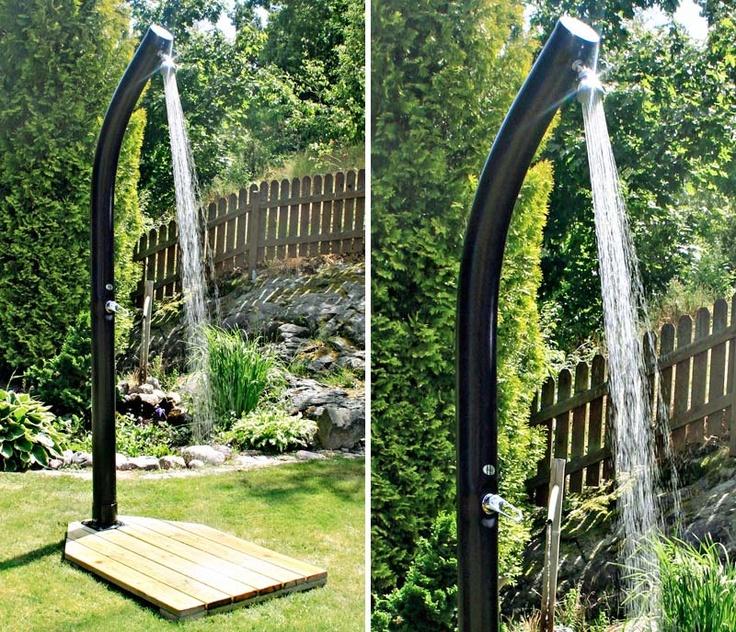 Härlig utomhusdusch med varmvatten.  http://www.northernliving.se/p/duschar/utomhusduschar/demerx-utomhusduschar/utomhusdusch-demerx-20.html  $257