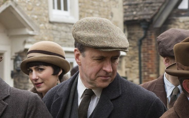 Ahead of the final series, Chris Bennion spoke to Downton Abbey's second   footman, Joseph Molesley, AKA actor Kevin Doyle
