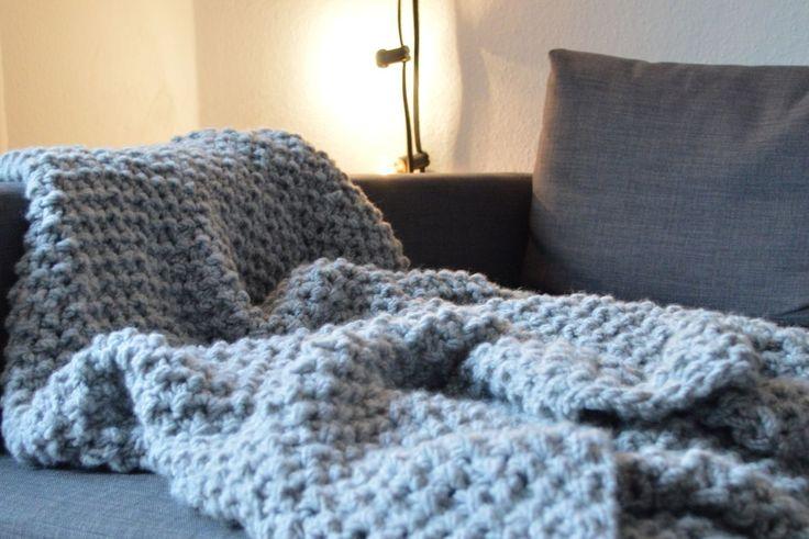 die besten 25 kuscheldecke stricken ideen auf pinterest. Black Bedroom Furniture Sets. Home Design Ideas