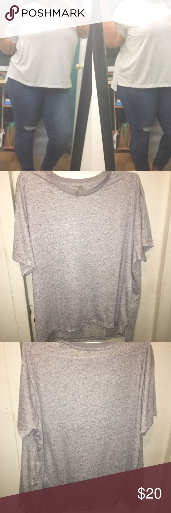 Cute Split Hem Top ✅BUNDLE DISCOUNT🚫NO LOWEST🚫NO TRADES.  Retails $35. Super cute, wear with jeans or Joggers. Runs true to size, color is a light gray.  Questions welcomed. ASOS Curve Tops Blouses