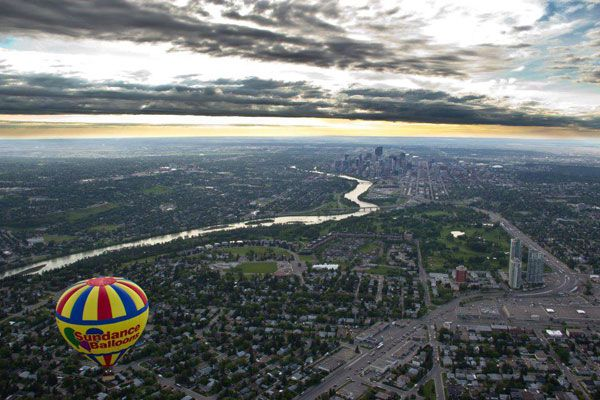 Check out unusual getaways from #Toronto like hot air ballooning #Ontario #HotAirBalloon (Photo: Sundance Facebook)