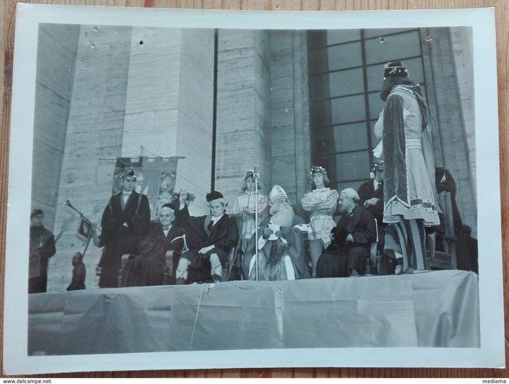 Università La Sapienza Di Roma Festa Della Matricola 1946 Con Fori Di Spillo Misura 12X9