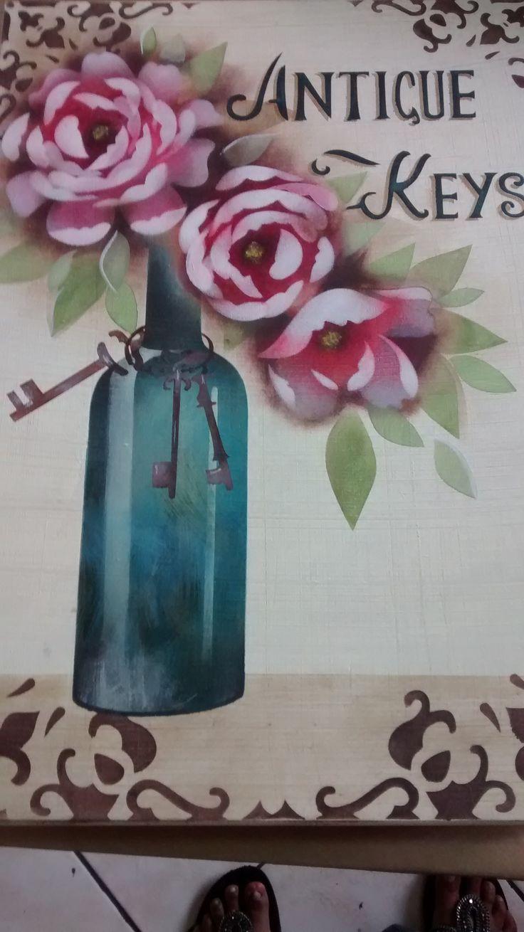 O resultado da minha peça do workshop da Mayumi Takushi na Pequenos Detalhes, dia 27/02/2016...Pra quem ficou quebrando a cabeça com as cores da garrafa, ela usou 2 tons de azul: azul porto e azul black ...