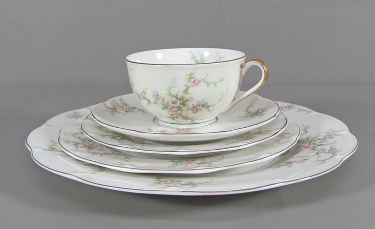 17 best images about havilland china on pinterest serving bowls pink flowers and limoges china. Black Bedroom Furniture Sets. Home Design Ideas