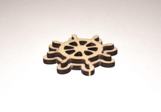 Фигурка «Штурвал» для любителей морской тематики. Подходит для изготовления брелоков, значков или магнитов. Размер готового сувенира составит до 4,3 см в ширину и столько же в высоту. Толщина фанеры 3 мм, изделие получится двухслойным.  Заготовки из дерева для творчества оптом производит и продает компания «Канышевы»    #handmade #ручнаяработа #заготовкадлятворчества #разукрашки #издерева #хобби #мастерская #сделанослюбовью #дизайн #авторскаяработа #хэндмейд #хендмейд #дизайнерскаяработа…