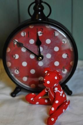 oh...that clock is calling my name!