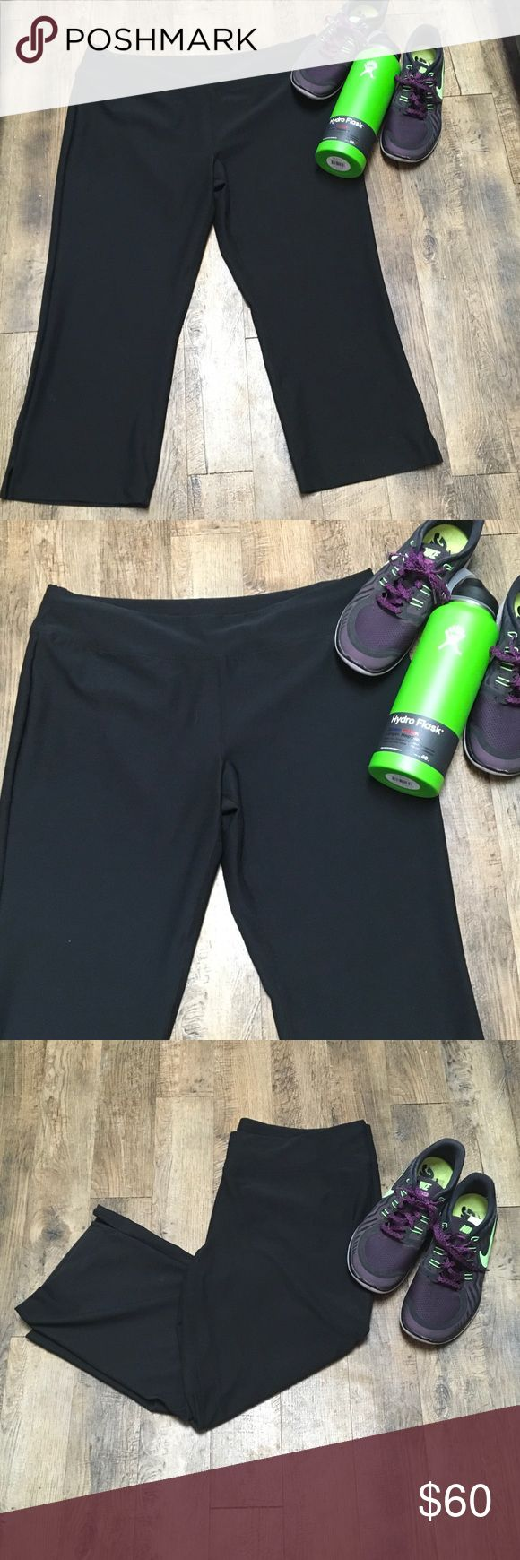 """LUCY CROPPED BLACK VITAL PANT COMFORT ANYTIME XL❣️ Lucy VITAL pant Workout or anytime, you will live in these. Moisture-wicking, breathable fabric, Relaxed fit with bootcut leg, vents.,88 % Polyester, 12% Lycra Spandex XL...38""""  full waistband,11"""" rise,24"""" inseam❣️🖤 LUCY Vital Capri Pants Ankle & Cropped"""