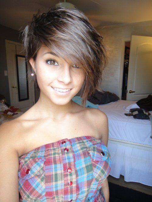 asymmetrical short hair, great cut!