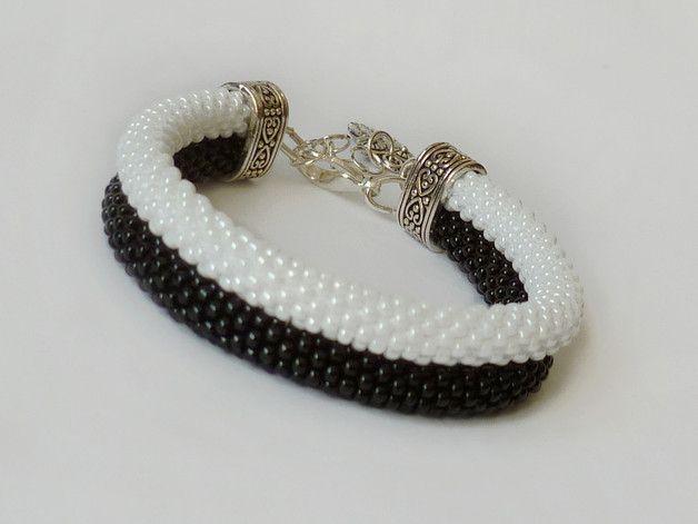 Czarno na białym #bransoletka #koralikowa podwójna - #Projektownia - Bransoletki z koralików #beadcrochet #bracelet #double #blackandwhite #owl