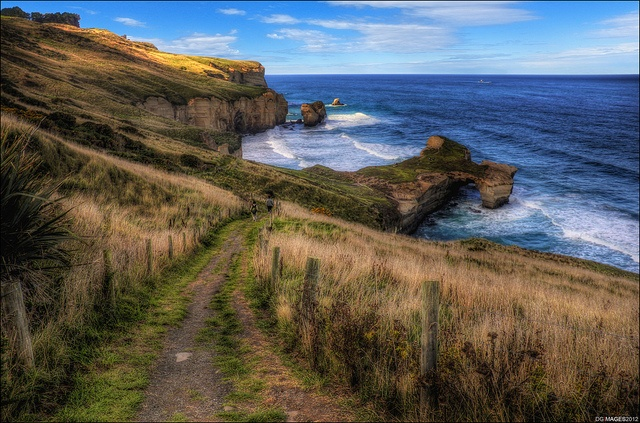 Tunnel Beach by Pommedan (DG Images)