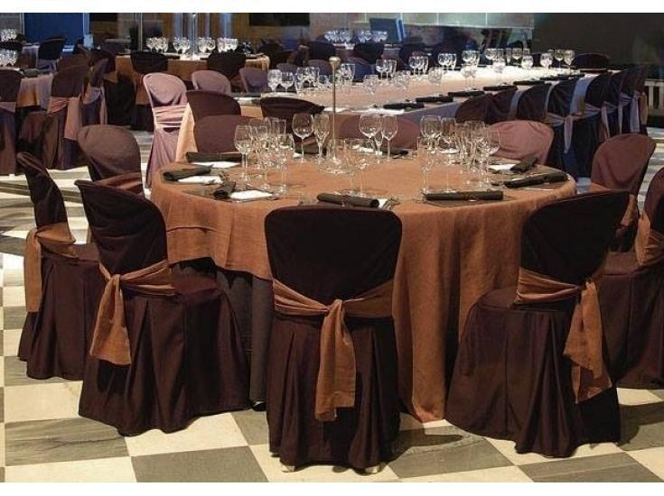 Alquiler de todo tipo de sillas para grandes y pequeños eventos. Sillas de resina, de forja, sillones, puffs. Mesas de todo tipo. Alquiler y venta