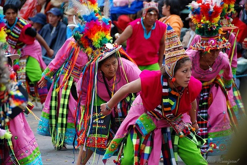 oruro single girls Every year folkloric dance groups from all over bolivia and the world meet up in oruro to play tribute with their music and  at this time women and children do .