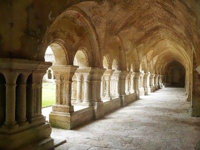 Abbaye de VEZELAY - le cloître