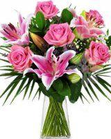růžové růže a lilie