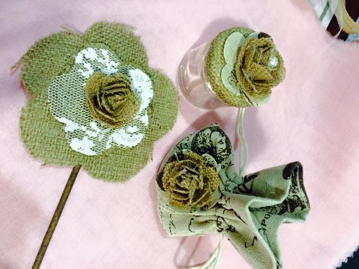Μπομπονιέρες Γάμου vintage σε τρία πολύ όμορφα σχέδια(βαζάκι,πουγκάκι και stick),από λινάτσα....