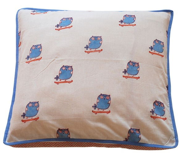 Two Sided Owl Cushions  by MUNY.  good colors for The Baby's room also