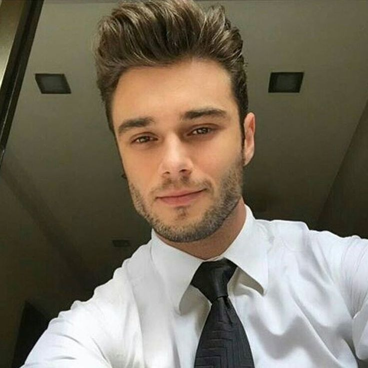 """""""brazilian Hairstyler #mensfashionblog #menstyle #stylish #guy #man #fashionblogger #mensstyle #mensfashionpost #simplydapper #younganddappered #lfw…"""""""