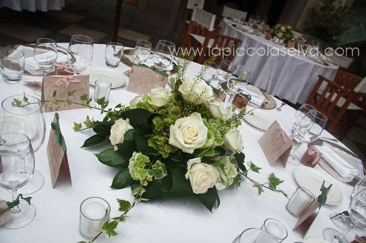 centrotavola fiori verdi e bianchi