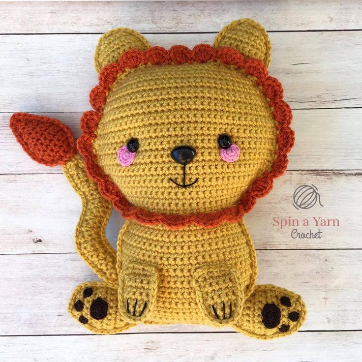 Kijk wat ik gevonden heb op Freubelweb.nl: een gratis haakpatroon van Spin a Yarn Crochet om deze superleuke schattige leeuw te maken https://www.freubelweb.nl/freubel-zelf/gratis-haakpatroon-leeuw/