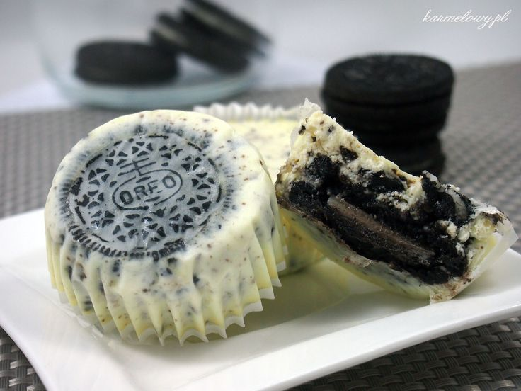 Cream cheesecake cupcakes with oreo cookies! These look like perfect items for a future dcs
