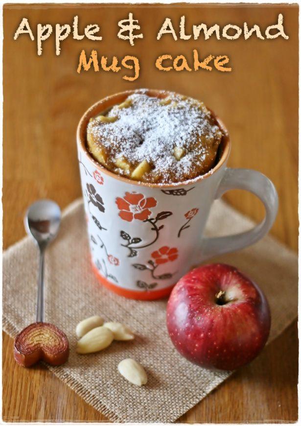 Torta in tazza alle mele e mandorle