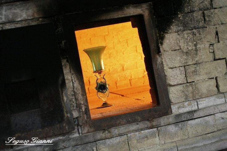 Murano glass goblet - #yourmurano #murano #goblet #segusogianni #seguso #veniceartglass #masterpiece #furnace