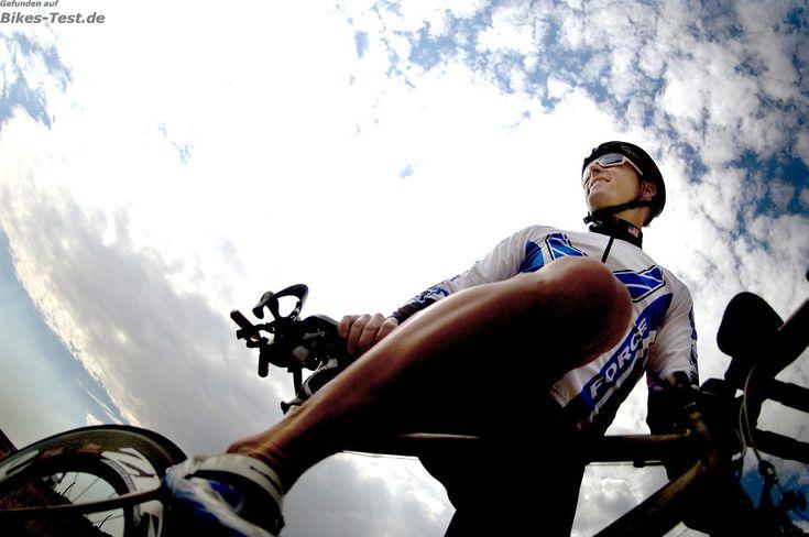 Eine der wichtigsten Kenngröße der Fahrrad Ergonomie ist die Rahmengröße. Allerdings spielen das Einstellen der Lenkerhöhe und des Sattel eine [mehr]
