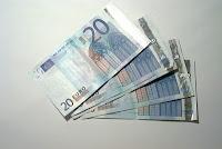 Vita Frugale: 100 consigli frugali per risparmiare e battere la crisi economica