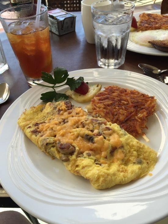 808 Bistro, Kihei - Breakfast Restaurant