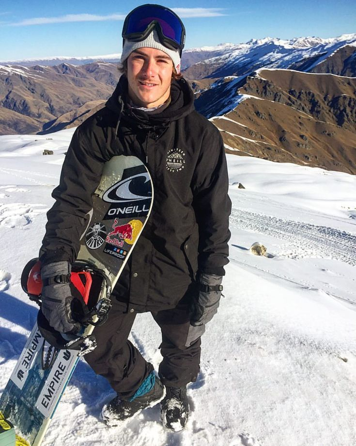 7,133 mentions J'aime, 25 commentaires – Sebastien Toutant (@sebtoots) sur Instagram : « Stoked to be on the mountains again!  #newzealand #snowboarding / @sunsetfilms »