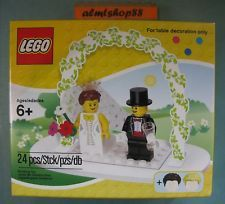 LEGO - Wedding Cake Topper Decor Favor Set w/ BRIDE & GROOM Minifigure 853340