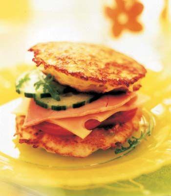 Hamburgers de batata. Veja a receita em: http://www.batatasdefranca.com/receitas/pratos.html#!prettyPhoto[hamburguers]/0/