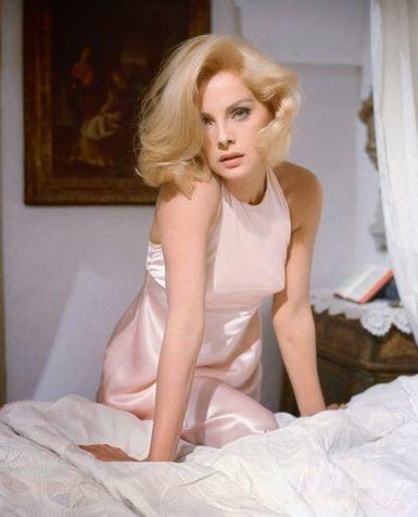 The elegant beauty  of Virna Lisi. | 1960's style.