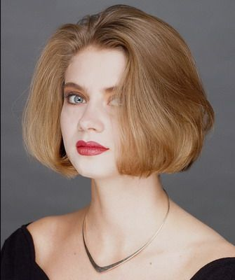 Прямое каре и фото стрижки на прямые волосы с челкой и без челки
