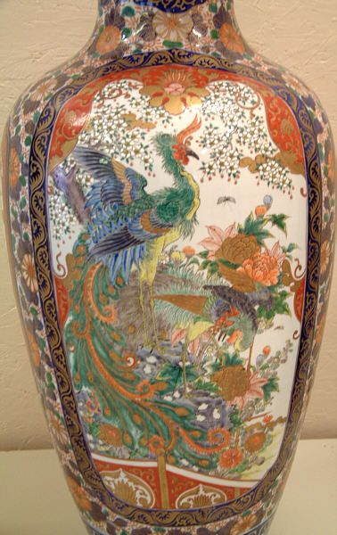 Large antique japanese imari porcelain vase.