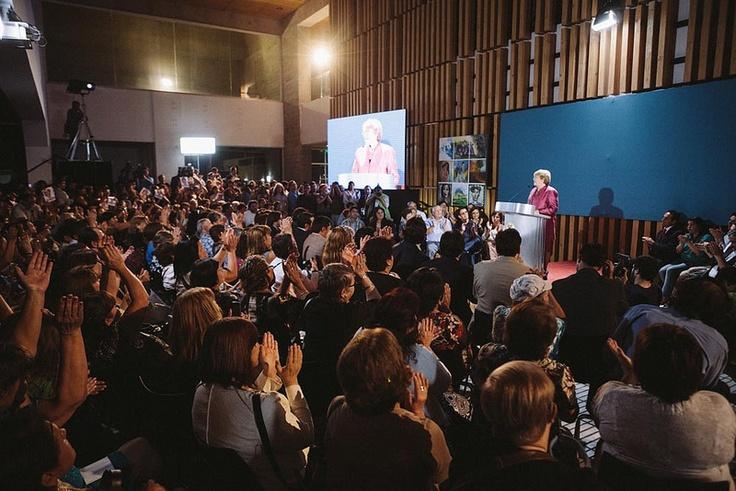 Michelle Bachelet acepta su candidatura presidencial en Chile, en la Comuna de el Bosque