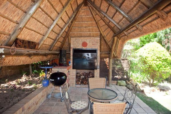 Lapa Braai area (South African term) Thatched Barbeque area