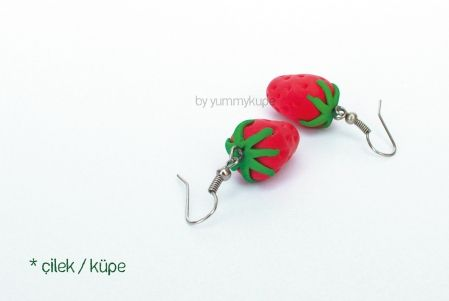 Çilek / küpe   #fashion #design #miniature #food #art #miniaturefoodart #polymerclay #clay #minyatur #polimerkil #kil #nutella #tasarim #taki #sanat #moda #sokak #tutorial #yummykupe #mold #kalip #nasil #bileklik #kolye #kupe #yuzuk #aksesuar #kadin #ring #earring #accesorie #necklace #strawberry #cilek
