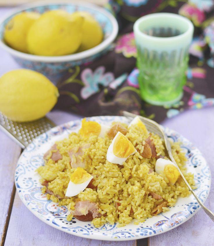 Kedgeree is een Indiaas gerecht met rijst en gekookte of gepocheerde schelvis ('haddock'). In India eten ze het vaak als ontbijt, hier in Nederland is het eerder een dinergerecht. Je kunt het overigens ook maken met zalm of zeebaars. Verhit de boter en olie in een pan. Fruit hierin de ui.Voeg na 8-10 minuten de […]