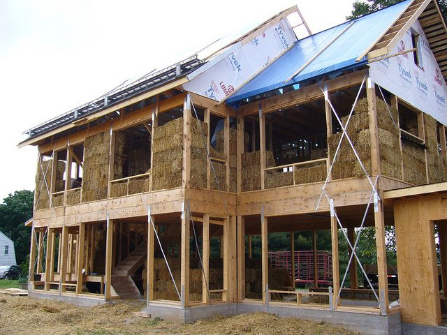 straw bale house building