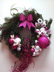 Dekorácie - Vianočný veniec na dvere(živá čečina) - 5652260_
