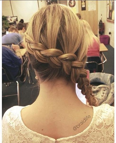 Katniss braid  / Coiffure tressé pour les cheveux longs !!!  http://www.pinterest.com/adisavoiaditrev/