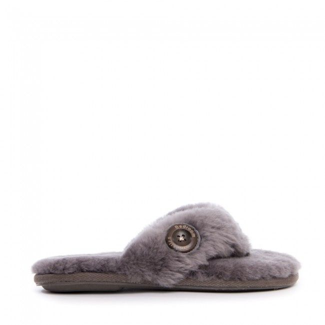 Decadently soft genuine sheepskin covers the Keira slipper thong natural in impeccable comfort perfect for every time of year. Lightweight yet durable this flip flop style lady's slipper with a rubber TPR outsole will not lose it's shape. Enjoy that warm fuzzy feeling of a pink (grey or even natural) fluffy moment whenever. This grade A sheepskin slipper thong is ideal for trips to the spa or simply loafing around your home.