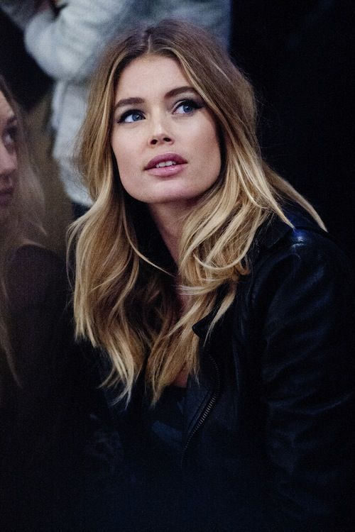 Love Doutzen Kroes hair color.